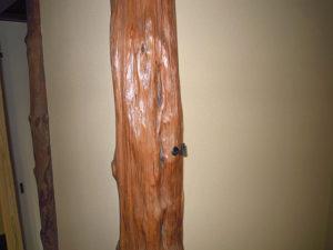 床柱に花釘を打つ