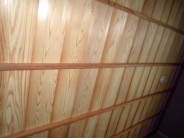 茶室天井・杉板羽重ね