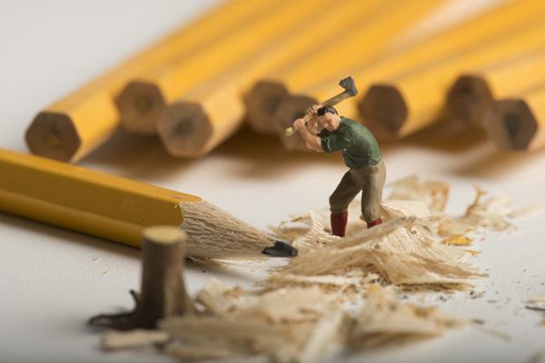 木を切るイメージ